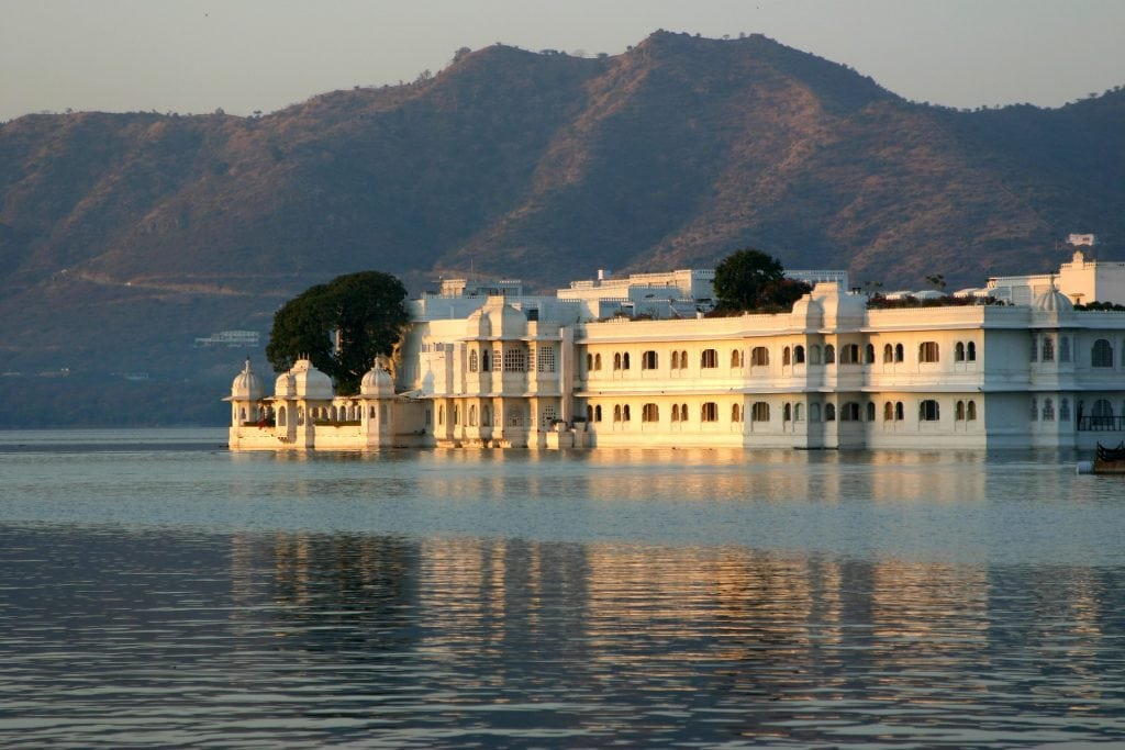 stay in the lake palace Udaipur
